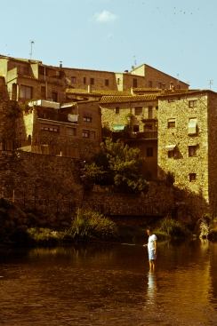 Fishing in Besalu River